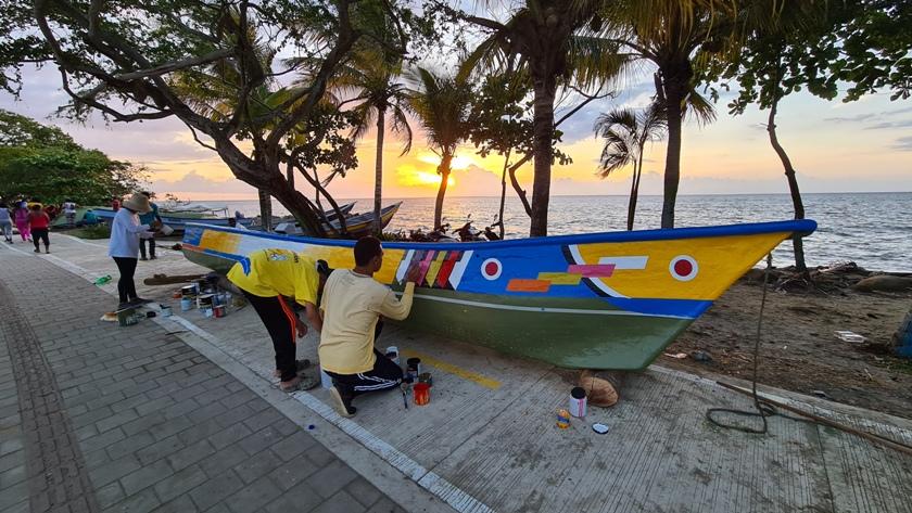 lancha pintada en turbo 2 ElMetro.com.co